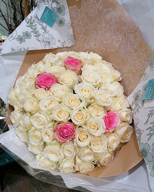 Livraison bouquet de 60 roses Fouras